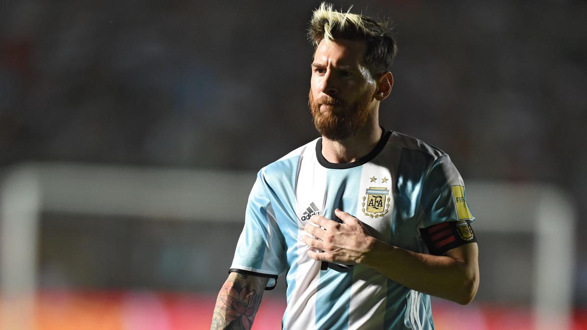 """En Argentina se rinden ahora al """"Dios Messi"""" tras las críticas"""