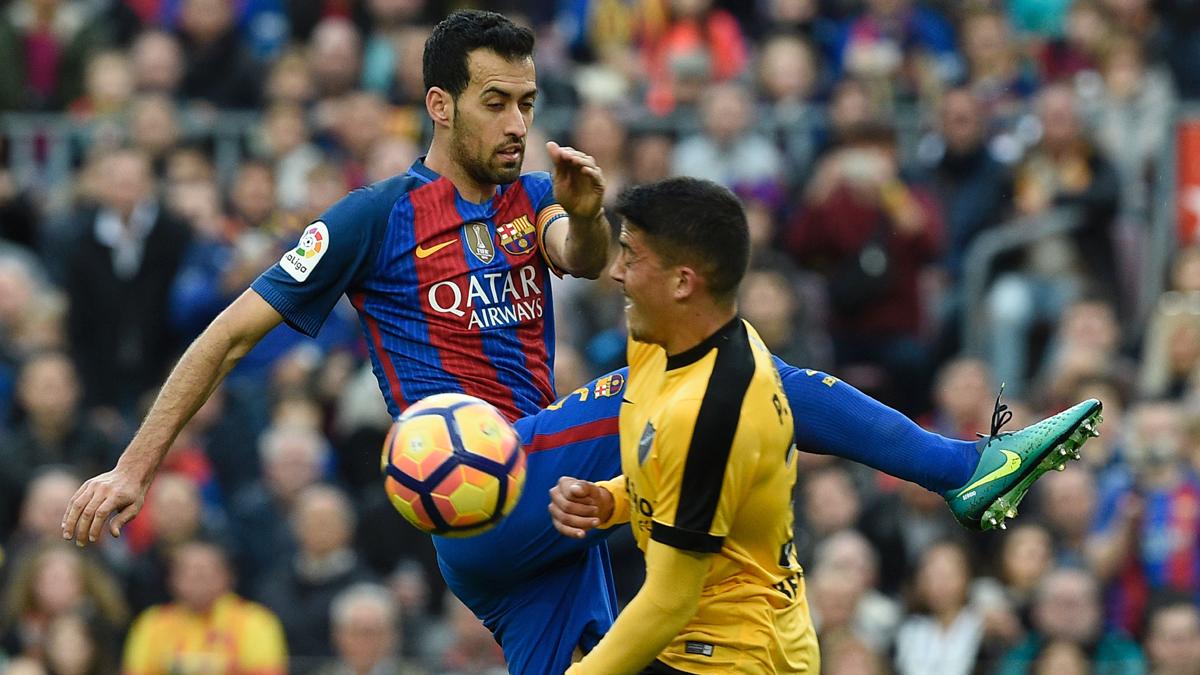 """El """"fair-play"""" de Busquets cuando el Barcelona más agonizaba"""