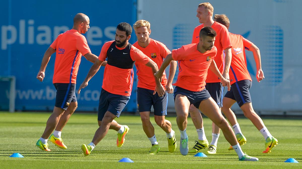 Los cuatro jugadores que siguen ausentes en el Barcelona