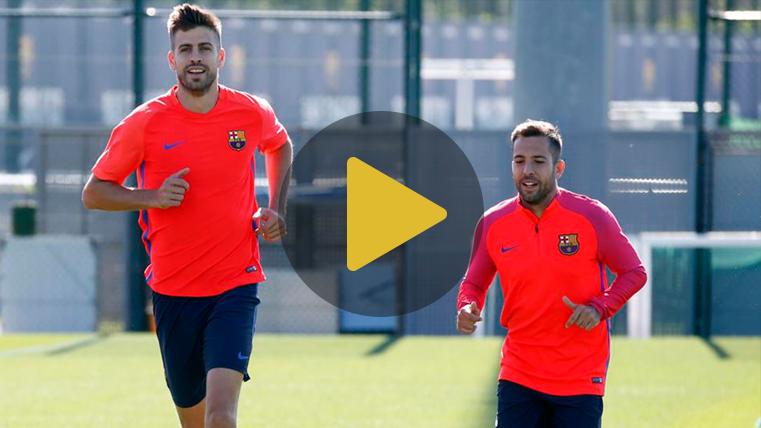 Piqué, Messi e Iniesta se unen al entreno para preparar el Clásico