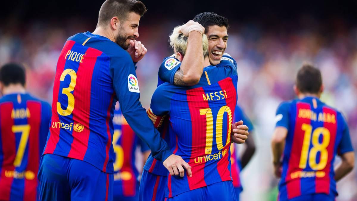 Piqué y Puyol confirmaron antes del Clásico que Messi se queda
