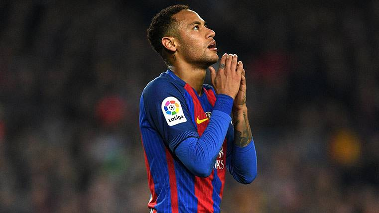 Neymar lleva más minutos sin marcar que Paco Alcácer
