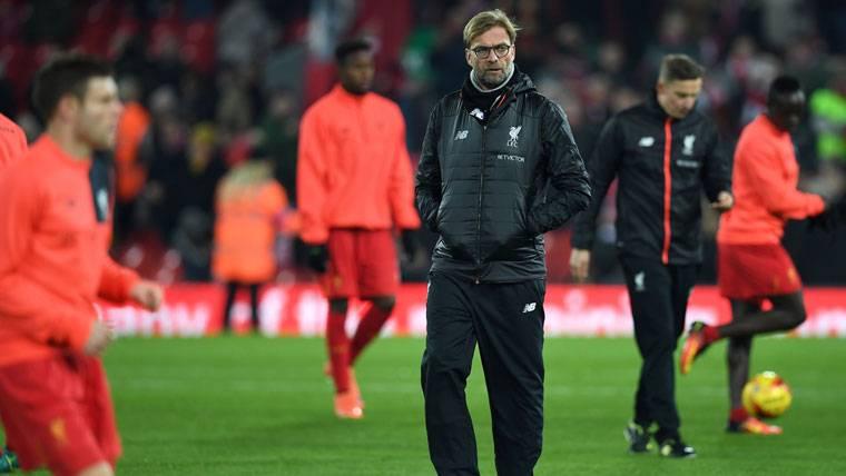 La misteriosa presencia del Liverpool en el Barça-Gladbach