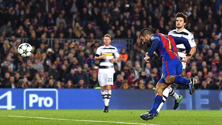 """Tres """"Ardazos"""" y el turco, tercer máximo goleador del Barça"""