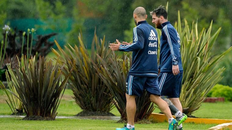 """Messi y """"Masche"""", a 18 minutos de la tragedia del Chapecoense"""
