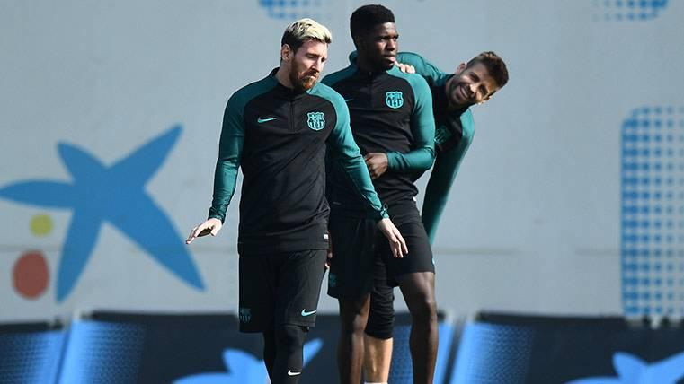 """Umtiti, junto a Messi y Neymar, fueron los """"reyes"""" de la cena"""