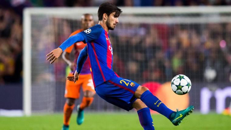 """André Gomes: """"No me gustan las preguntas sobre Messi y CR7"""""""