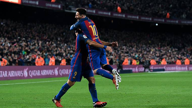El Camp Nou apretó más que nunca con la Grada d'Animació