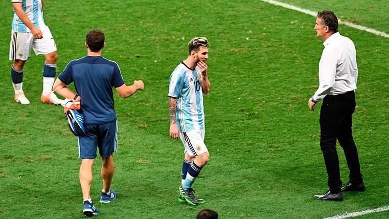 """Bauza insiste en que Messi """"no arma mi equipo"""" con Argentina"""