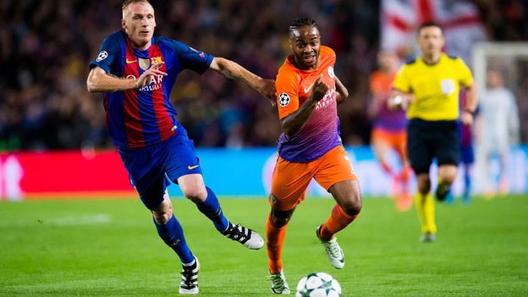 Jeremy Mathieu, con los días contados en el FC Barcelona