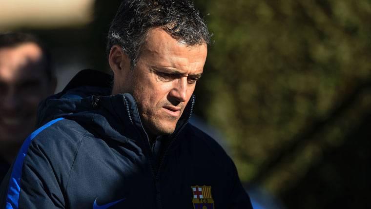 Luis Enrique, antes de un entrenamiento con el FC Barcelona