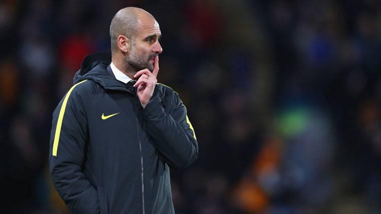 Guardiola la tomó con el árbitro y un periodista tras el City-Burnley