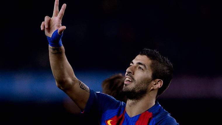 Luis Suárez, celebrando uno de los goles contra el RCD Espanyol