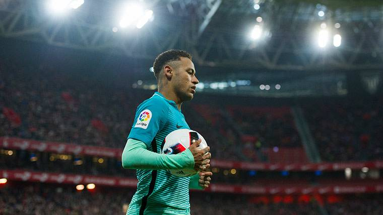 Neymar Júnior, durante el Athletic Club-FC Barcelona donde tampoco vio portería