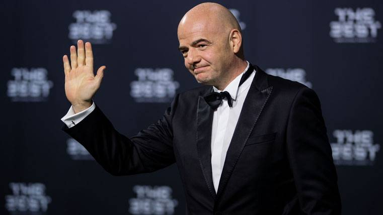 """El """"The Best"""" de la FIFA cambia para olvidar al Balón de Oro"""