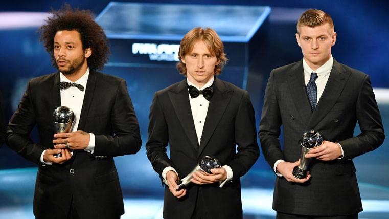 Marcelo, Modric y Kroos, posando para el Once Ideal de la FIFPro