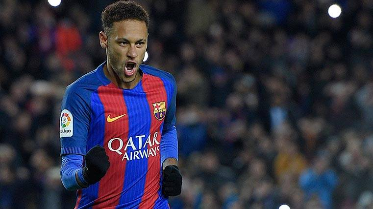 Neymar Júnior celebra el penalti anotado ante el Athletic