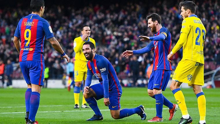 Arda Turan siguió con su idilio con el gol en el Barça