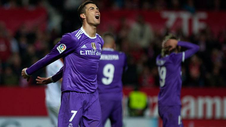 Reconocen que Cristiano mereció ser expulsado en Sevilla