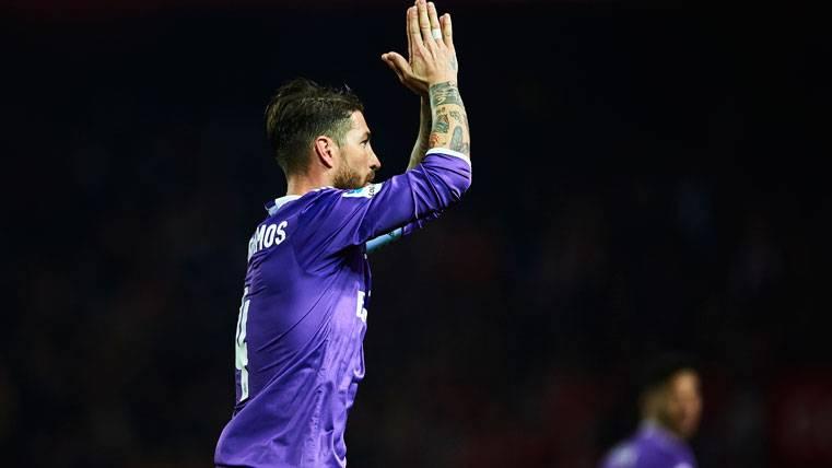 HUMOR: La prensa de Sevilla tiró de ironía con Sergio Ramos