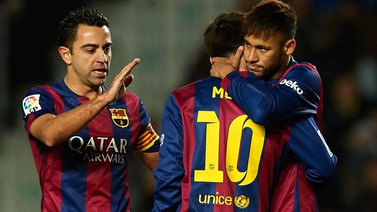 Xavi Hernández, en una imagen de archivo con Messi y Neymar