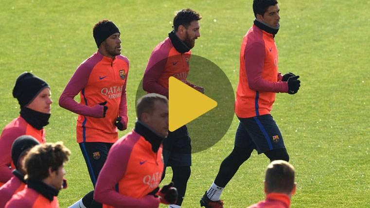 Bromas entre Suárez, Neymar y Piqué en el entreno del Barça