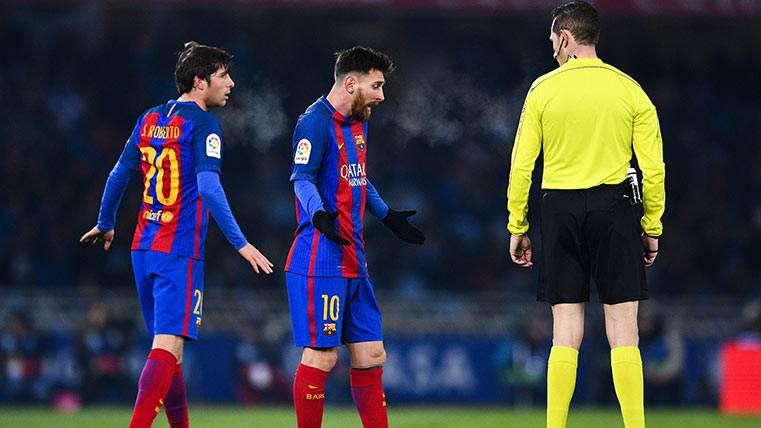 Importante cabreo de Messi con el árbitro, que le sacó de quicio