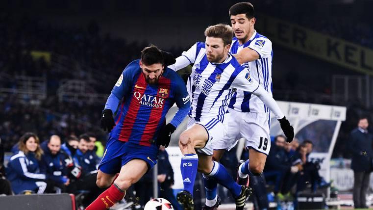 POLÉMICA: ¡Tres jugadores de la Real cargan contra el árbitro!