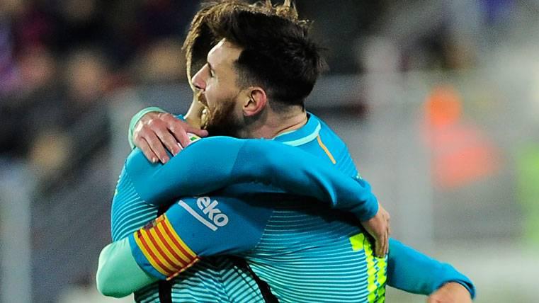 Suárez y Messi volvieron a juntarse para rematar al Eibar