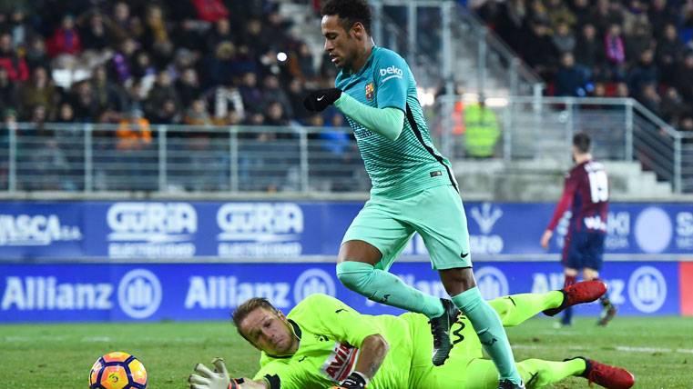 El árbitro volvió a perjudicar al Barcelona contra el Eibar