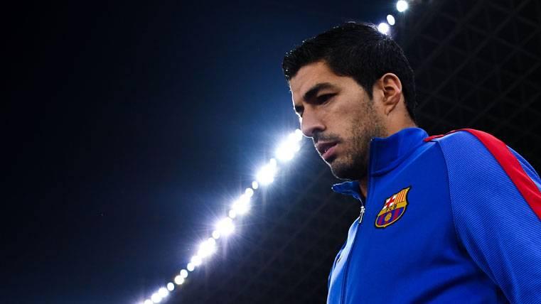 Suárez celebra su cumpleaños con la plantilla del Barça
