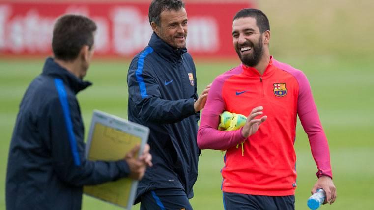 ¿Será Arda Turan un nuevo caso Aleix Vidal en el Barça?