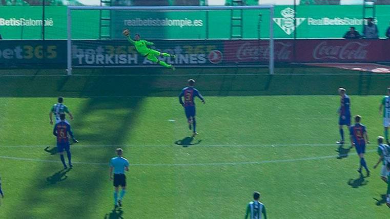 Ter Stegen salvó al Barça ante el Betis con una parada asombrosa