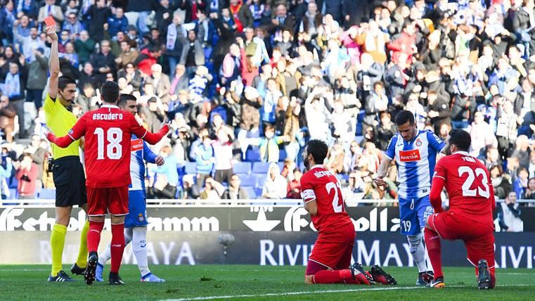 La derrota del Sevilla coloca al Barça segundo en Liga