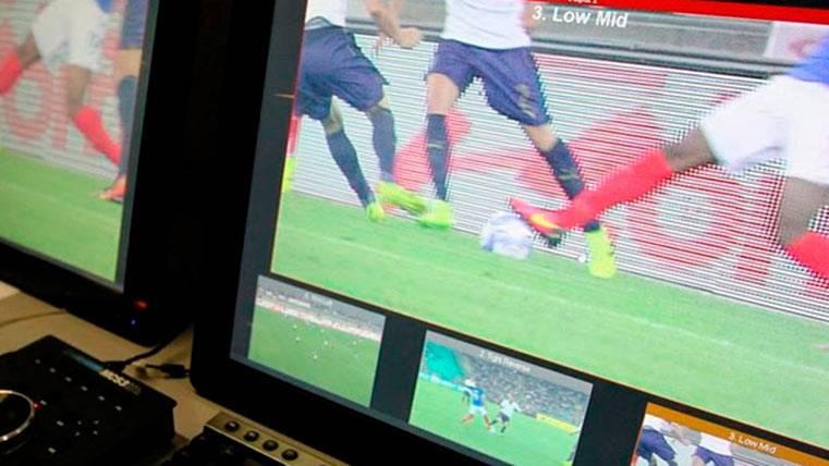 El fútbol español responde tarde y mal: Habrá VAR en la Copa