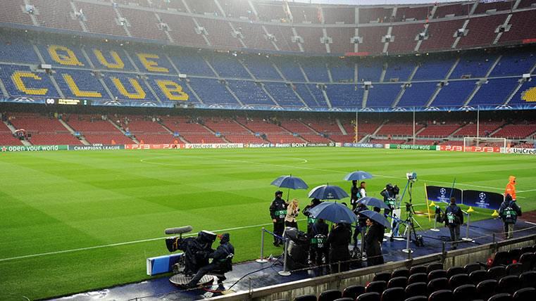"""¡El Camp Nou tiene instalado el """"ojo de halcón"""" desde agosto!"""