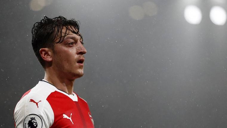 BOMBA: ¡Özil podría fichar por el Barça si deja el Arsenal!