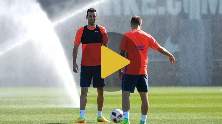 Iniesta y Busquets ya entrenan y estarán ante el Atlético