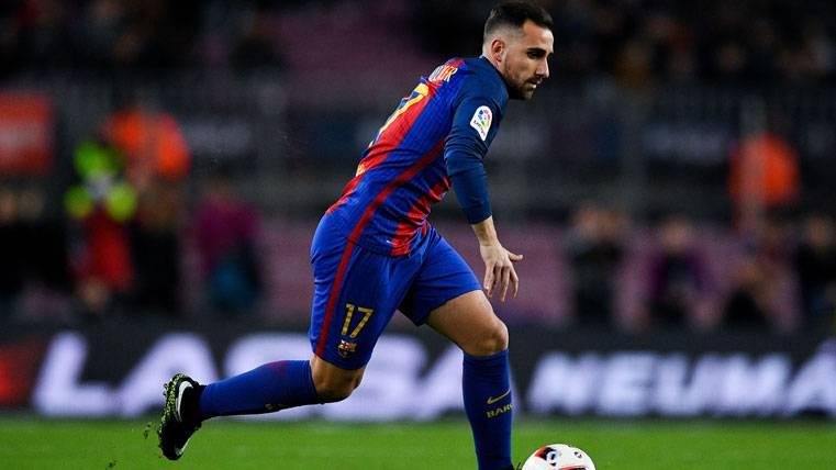 El Barça recuperó el 4-3-3 ante la Real con Alcácer de extremo
