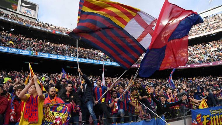El Camp Nou, unido, hizo fuerza y apretó en el Barça-Atleti