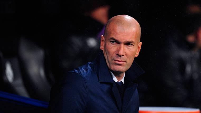 Zidane miente: Sus jugadores también se quejan de los árbitros