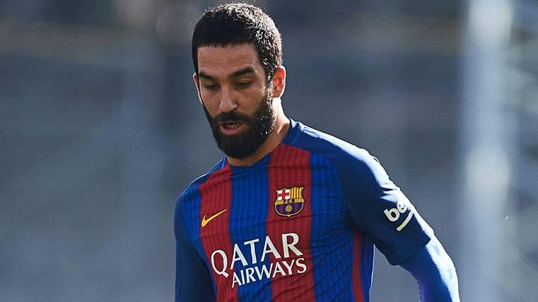 LESIONADO: El Barça confirma la baja de Arda Turan por lesión