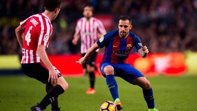 Trabajo en la sombra de Alcácer para triunfar en el Barça