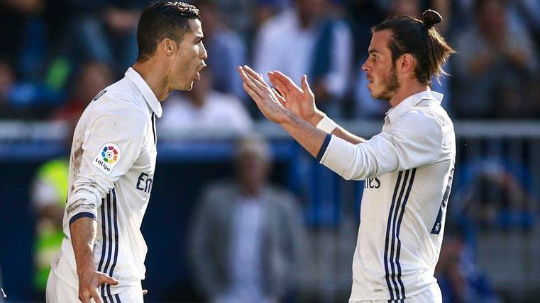 Gareth Bale y Cristiano Ronaldo, celebrando un gol con el Real Madrid