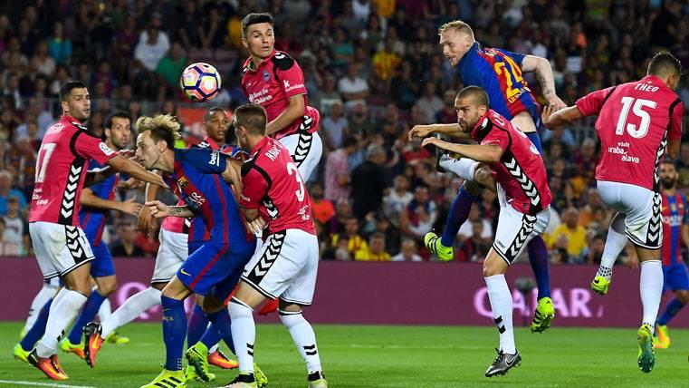 """La ventaja del Barça en el """"ensayo"""" de Liga ante el Alavés"""