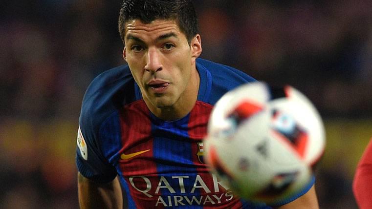 Luis Suárez, con la vista siempre fijada en el balón