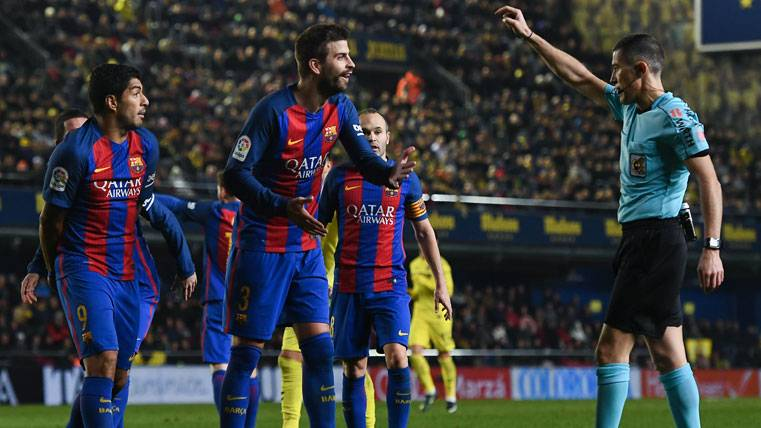Gerard Piqué volverá a vérselas con el árbitro que le indignó