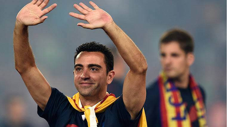Xavi se postula como entrenador del Barça y defiende a la MSN