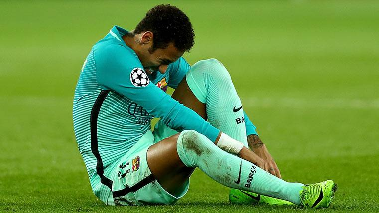 Neymar no se entrena y es duda para el partido del Leganés