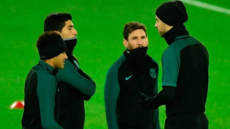 Luis Suárez llama a sus compañeros a hacer historia con el Barça
